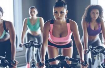 Vélo stationnaire en salle de sport, nos conseils pour débuter